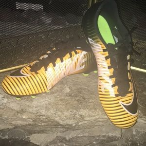 Nike Mercurial Soccer Cleats Mens Sz 9 Wom Sz 10.5